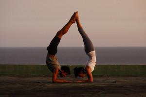 El yoga (del sánscrito ioga ) se refiere a una tradicional disciplina ...