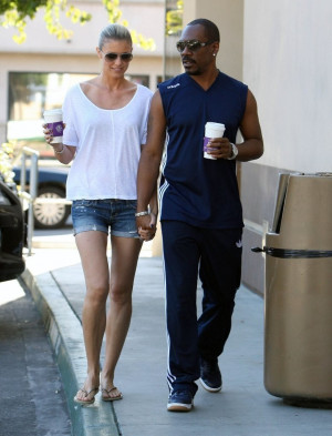 ... : Eddie Murphy and his GF Paige Butcher out for Morning Coffee - 10/5