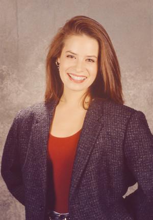 Lauren Holly Biography