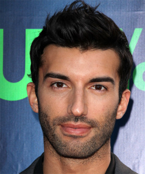 Justin Baldoni Short Straight Hairstyle picture