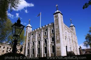 White-Tower-Tower-of-London.jpg