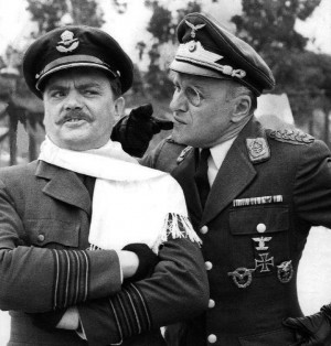 Description Bernard Fox Werner Klemperer Hogan's Heroes 1968.JPG