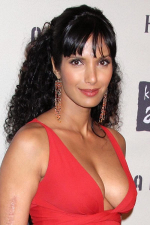 Padma Lakshmi Biography Hot