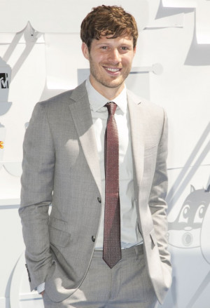 Zach Gilford Pictures