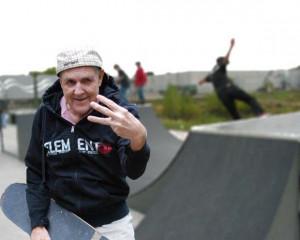 skateboard_grandpa_old_man_skate_park_funny_humor_cool_haha_lol_rofl ...