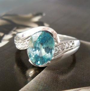 Gorrrrrgeous! White Gold, Blue Topaz & Diamond Ring by jodi