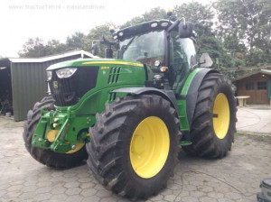 John Deere 6210R from maxxumdriver Busy with poseren