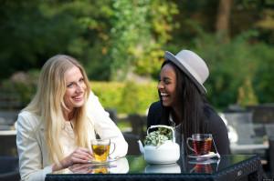Group Of Women Friends Laughing O-female-friendship-facebook.jpg