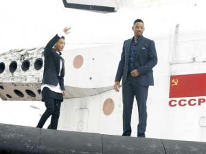 Nesta segunda-feira (27), Will Smith e seu filho, Jaden, divulgaram ...