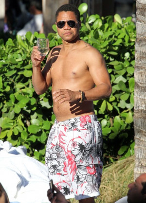 Cuba+Gooding+Jr+Cuba+Gooding+Jr+Enjoying+Glass+-tpVQXk_TBel.jpg
