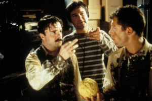 Still of Nathan Lane, Lee Evans and Gore Verbinski in Mousehunt (1997)