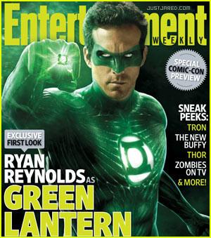 your first look of Ryan Reynolds as the green superhero Green Lantern ...
