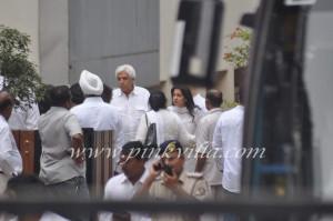 ... Bachchan Dimple Kapadia Rekha Juhi Chawla At Yash Chopras picture