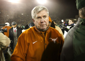 Texas head coach Mack Brown walks off the field after a 30-10 loss to ...