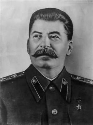 Stalin foi o ditador russo que comandou a União Soviética até sua ...