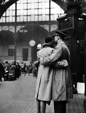 ... Alfred Eisenstaedt, New York, Wartim Farewell, Vintage Photo, Sayings