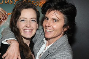 Tig Notaro Joins Twitter, Has Other Comedians Tweet For Her