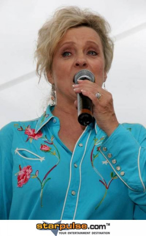 Connie Smith Pictures And Photos...