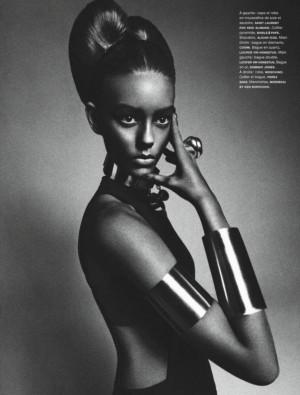 White Model Ondria Hardin Poses in Numéro's African Queen Editorial ...