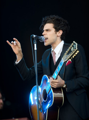 this photo charlie fink charlie fink of noah and the whale performs on