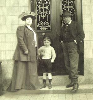 Jean Gabin Avec Ses Parents...