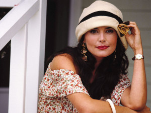 Roma-Downey-roma-downey-33504165-1024-768.png