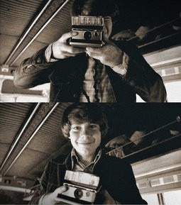 Patrick Fugit as William Miller on the set of Almost Famous.