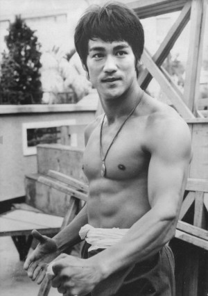 Bruce-Lee-bruce-lee-26670325-1000-1420.jpg