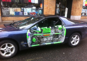 funny-picture-car-insurance-Geico-crash