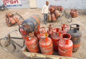 Veerappa Moily Launches Lpg