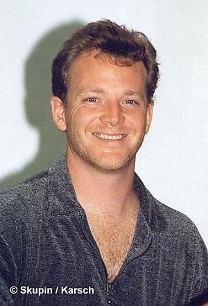 Robert Duncan McNeill