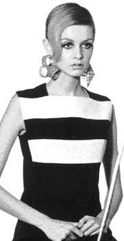Twiggy at a modeling shoot in 1967.