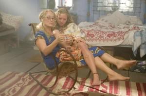 Meryl Streep & Amanda Seyfried (foot bottoms!)
