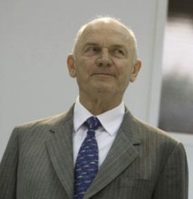 Ferdinand Piëch affida l'impero Porsche alla moglie