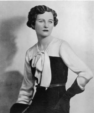 Nancy Mitford 1904 1973 war eine begabte Schriftstellerin die