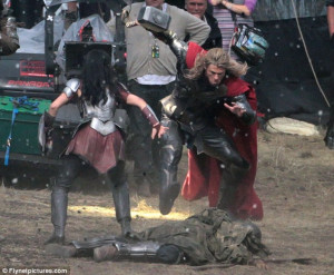 omg Chris Hemsworth Thor jaimie alexander sif thor 2 dark elves