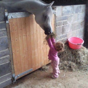 little-girls-and-their-horses