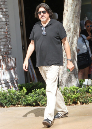 Alfred Molina Picture 11
