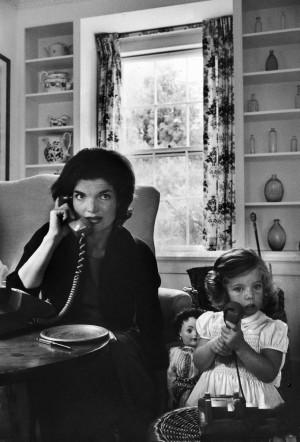 Jacqueline Kennedy with daughter, Alfred Eisenstaedt, 1960