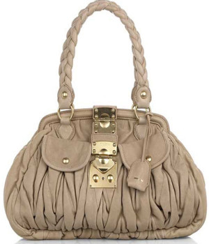 Tags » Handbags Pictures 211 views Download this pic Added 9 months ...