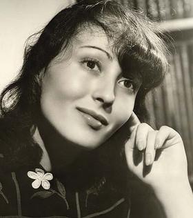 Luise Rainer Bio