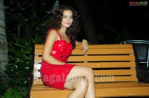 Hot Pics Kangana Ranaut Images
