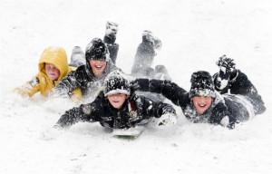 winter-wonderland-kids-playing-in-the-snow.jpg