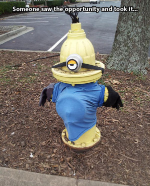 funny-picture-Minion-water-hydrant-costume