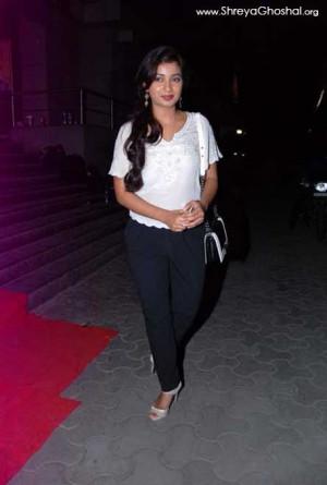 Shreya Ghoshal Hot Jeans...