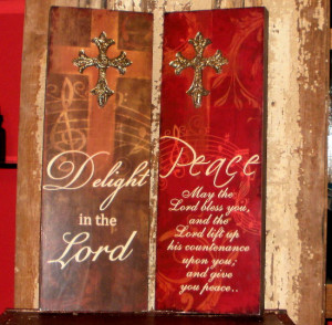 These wooden wall plaques measure 15.25