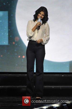 Selena Gomez | Selena Gomez To Make Cameo In New Brad Pitt Film ...