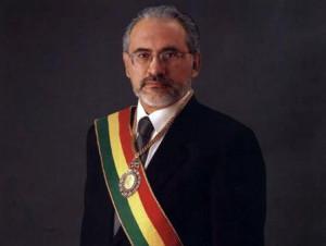 Carlos Mesa Gisbert en la foto oficial tomada en 2004 BLOG DE CARLOS