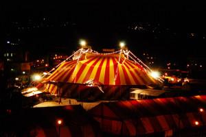 Zien Van Een Circustent Die...