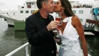 Eike Batista on a yacht in Marina da Gloria kisses his girlfriend